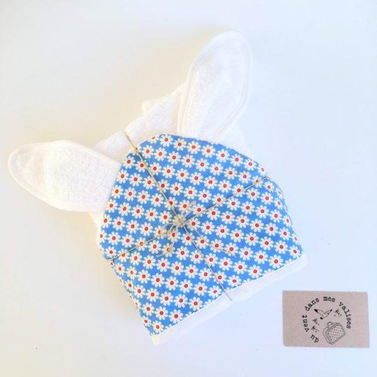Cape de bain ... de mer ou d'eau douce pour lapinou chou - à oreilles, en éponge et coton motif marguerites