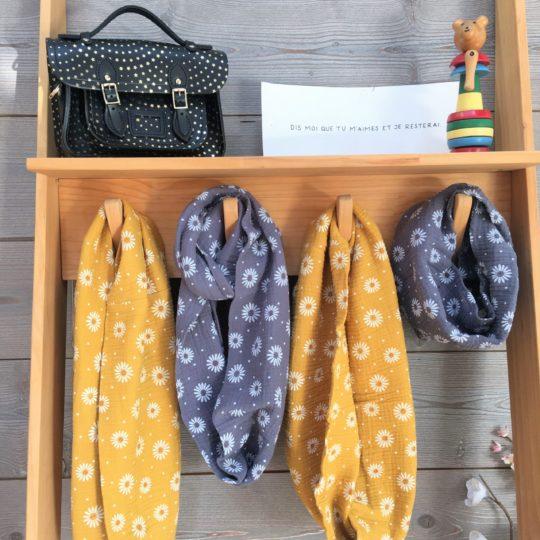 tour de cou tout doux (écharpe tubulaire ou snood, femme et mini) motifs marguerites et pois - fait-main en gaze de coton