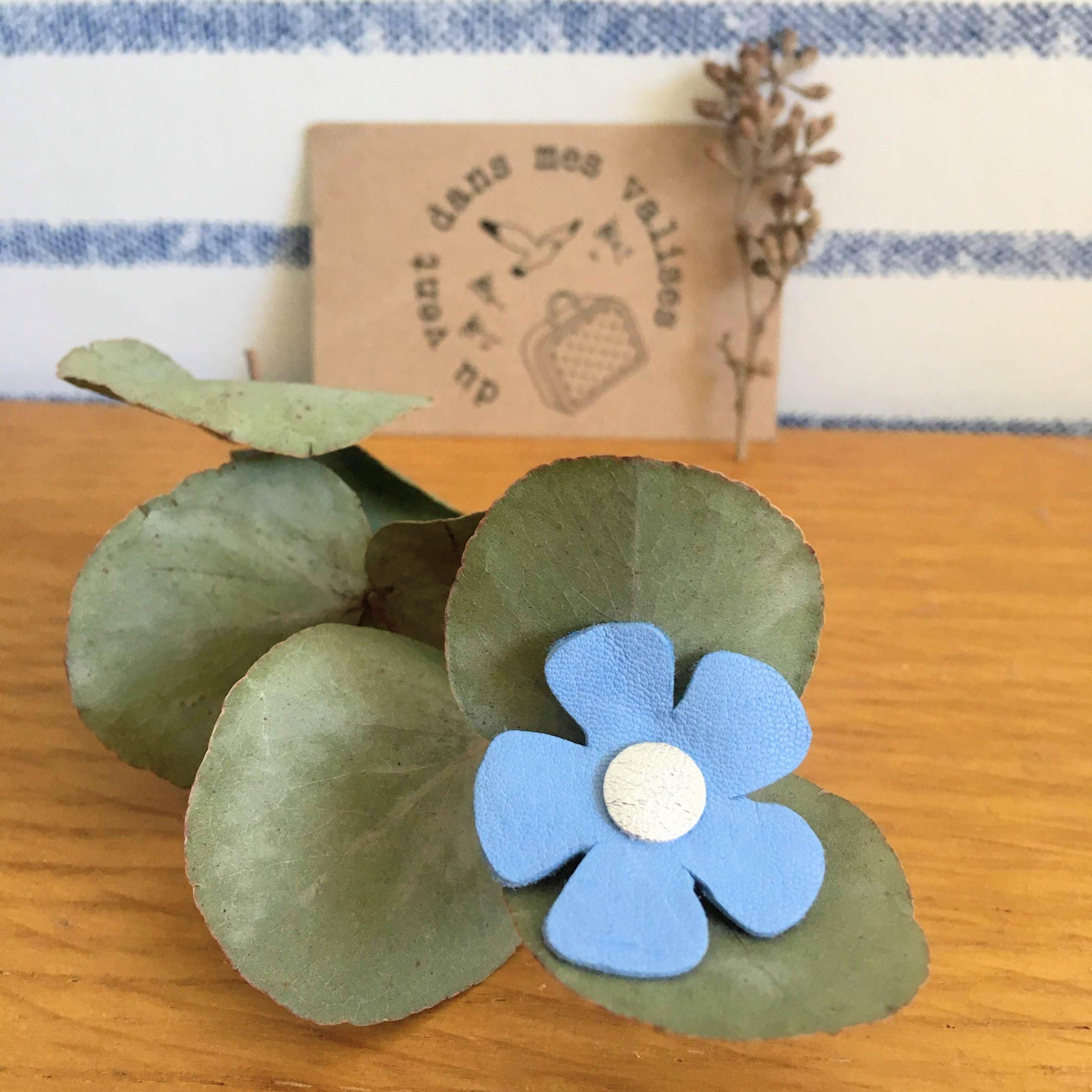 du vent dans mes valises - broche fleur de lin made in France