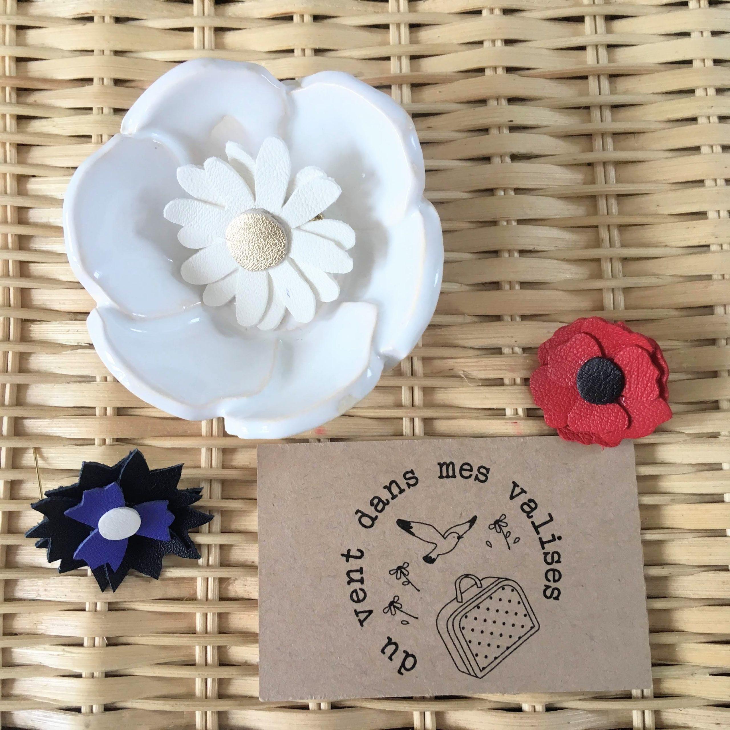 du vent dans mes valises - broches en cuir fleurs du souvenirs made in France