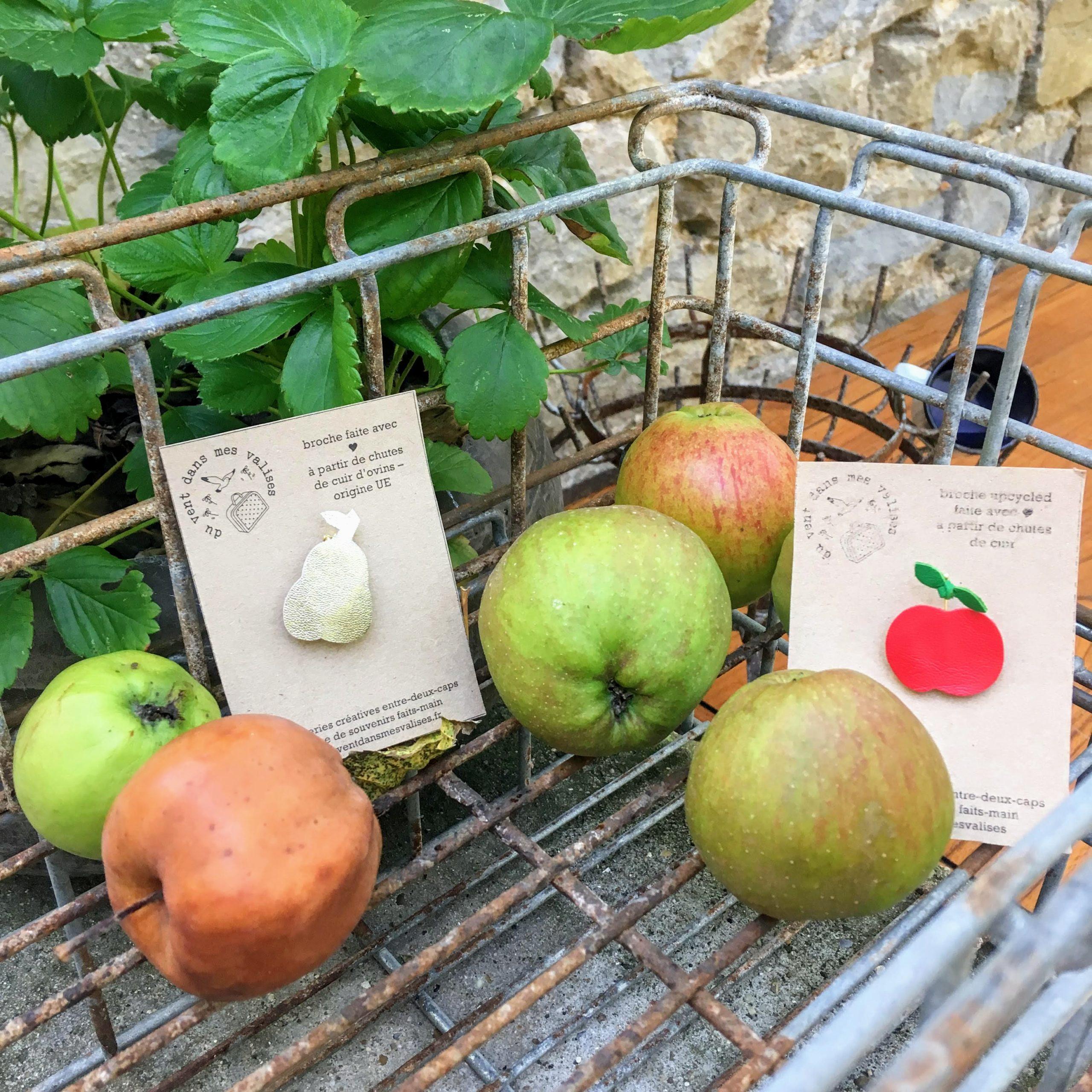 broche en cuir poétique fruits de saison made in France - du vent dans mes valises