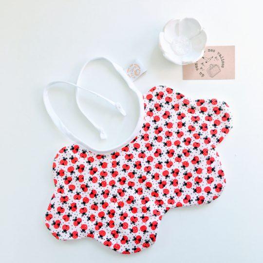 du vent dans mes valises - bavoir nuage coton éponge motifs coccinelles forme nuage made in France