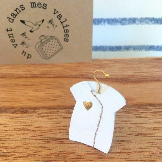 du vent dans mes valises - broche blouse blanche cuir broderie coeur en or made in France