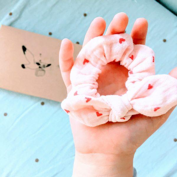 du vent dans mes valises - mini chouchou chou double gaze rose coeurs made in France