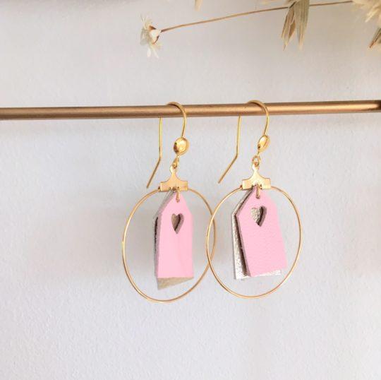 boucles d'oreilles personnalisées cabines de plage - du vent dans mes valises rose pastel