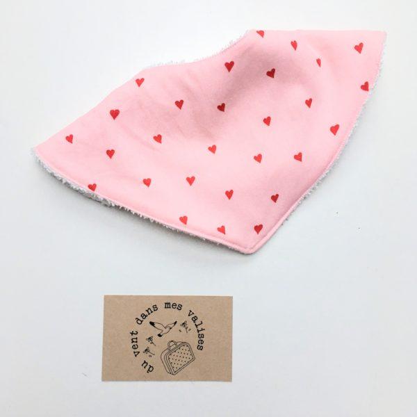 du vent dans mes valises - bavoir ajustable éponge coton petits coeurs made in France