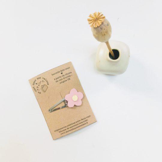 du vent dans mes valises - barrettes en cuir upcycled, fleurs à cheveux mûre, sureau, rose made in France