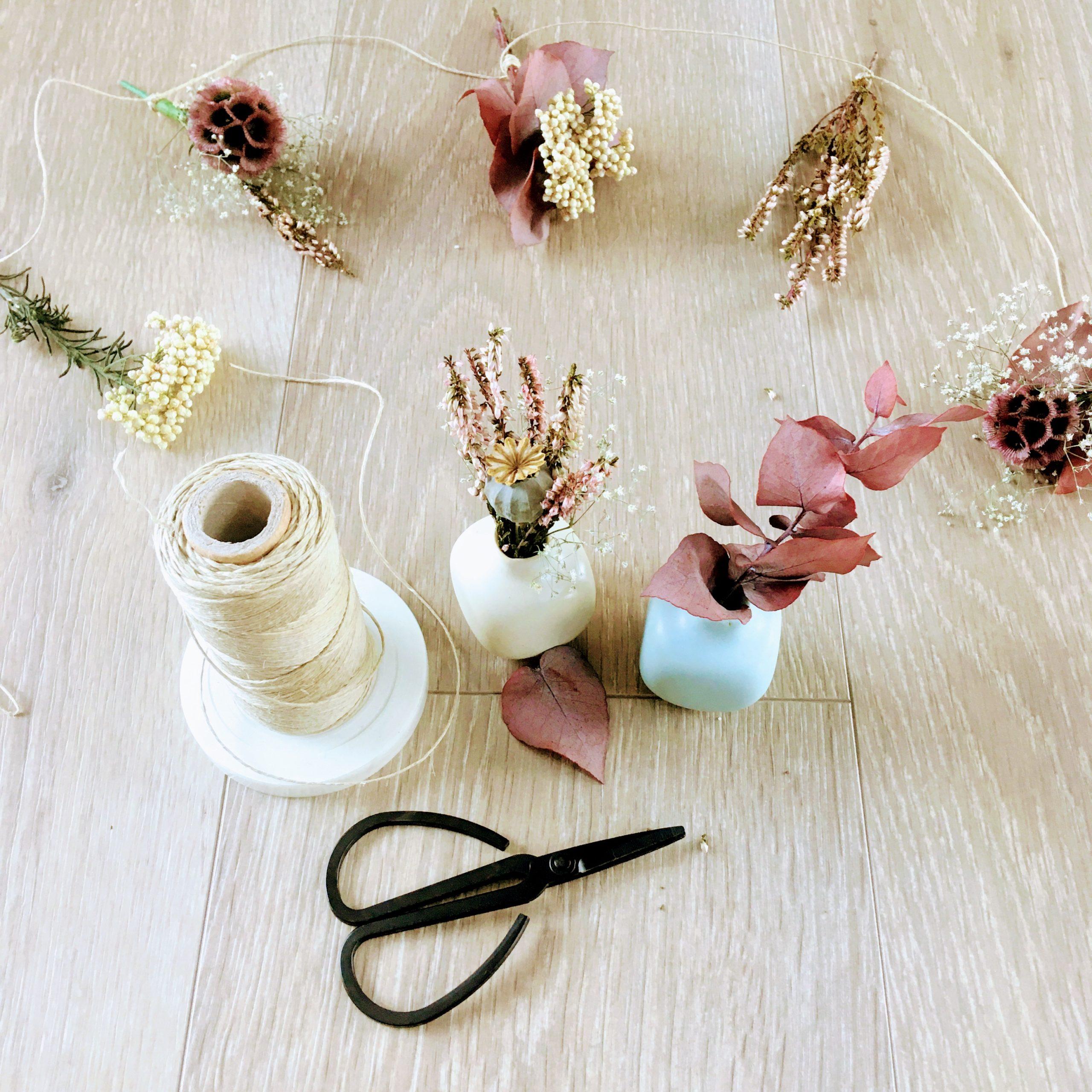 du vent dans mes valises - ateliers créatifs diy guirlande de fleurs séchées