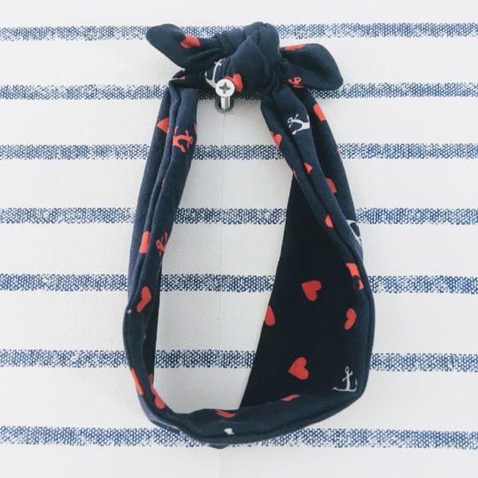 du vent dans mes valises - bandeau extensible enfant adulte jersey bleu marine ancres blanches coeurs rouges made in France