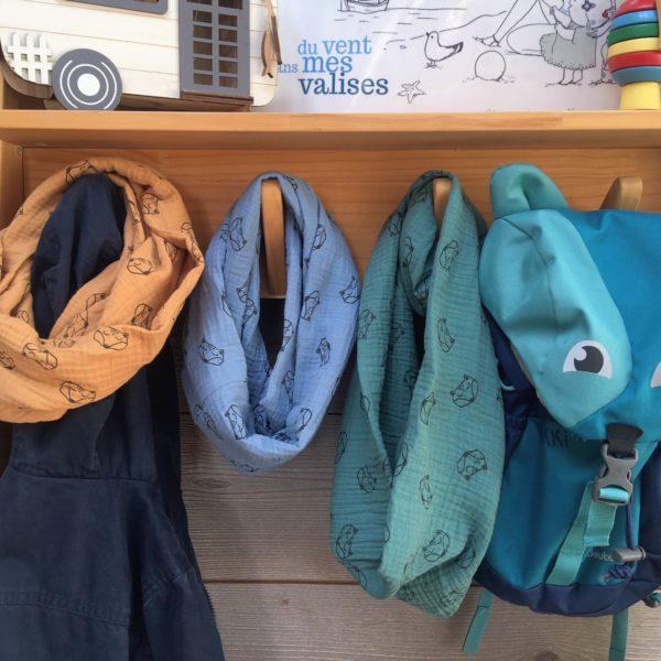 du vent dans mes valises - snood si doux mixte enfant adulte motifs renards double gaze coton camel, bleu, vert made in France