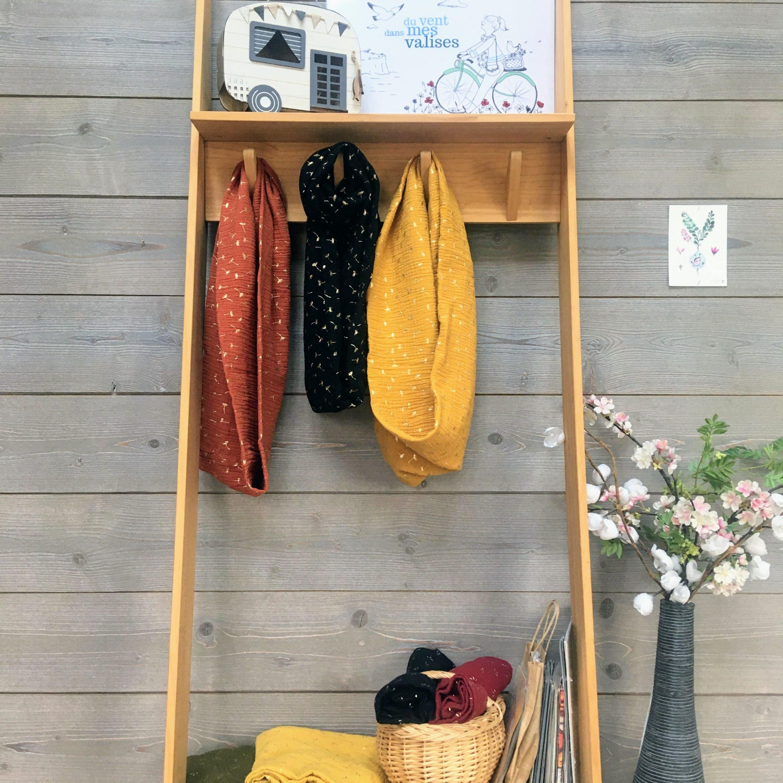 du vent dans mes valises - snood si doux légers comme des graminées avec des fleurs de pissenlits dorées en double gaze de coton made in France