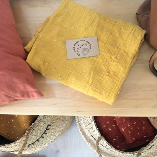 du vent dans mes valises - snood si doux éclats automnaux avec pétales dorés double gaze de coton made in France