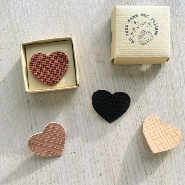 broche en cuir le joli coeur gaufrettes made in France, collection coeurs en fête - du vent dans mes valises