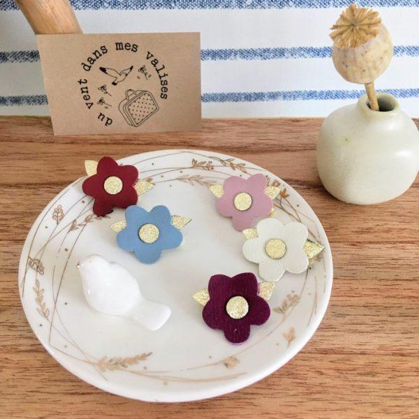 broches en cuir poétique made in France fleurettes couleurs baies 2- du vent dans mes valises