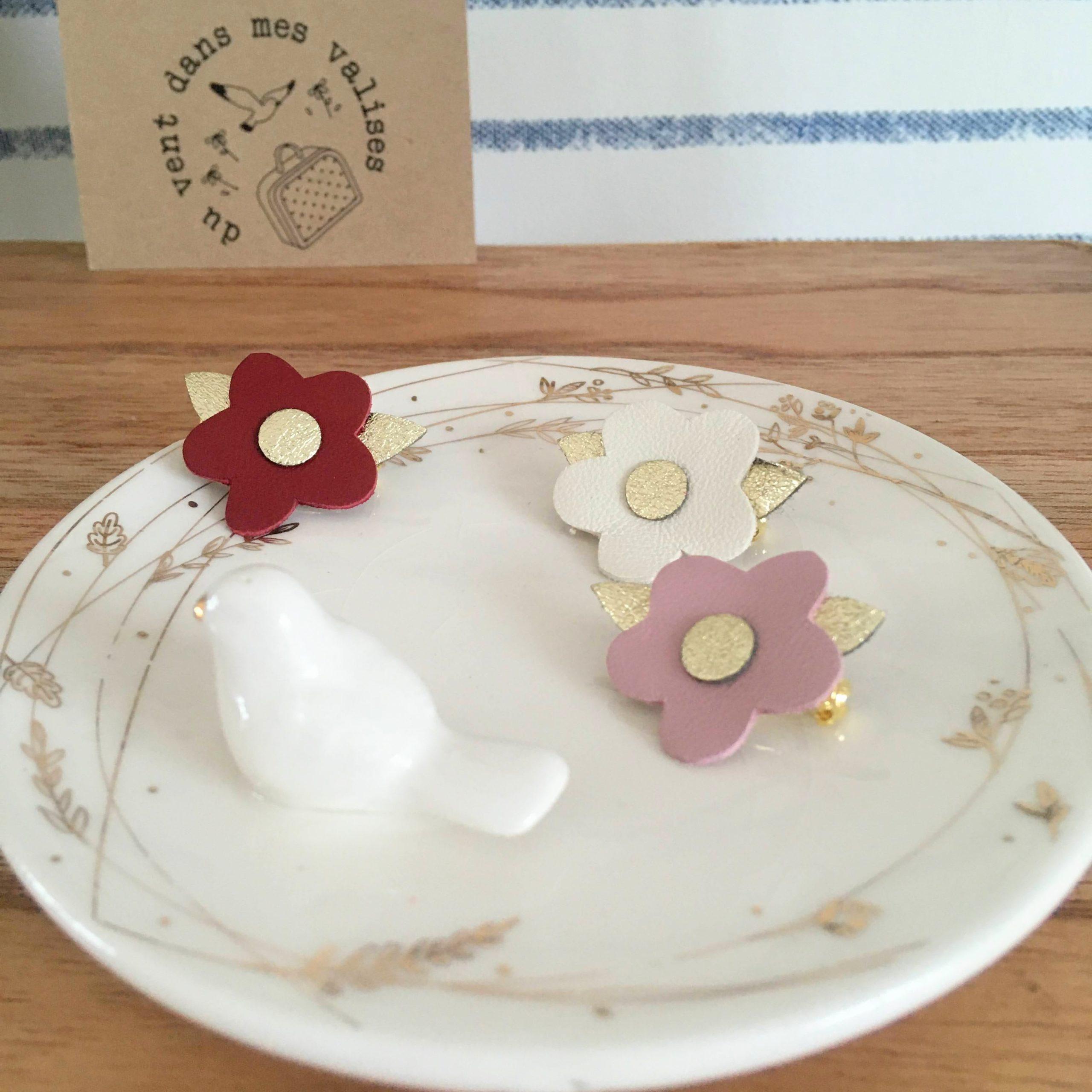 broches en cuir poétique made in France fleurettes couleurs baies roses - du vent dans mes valises