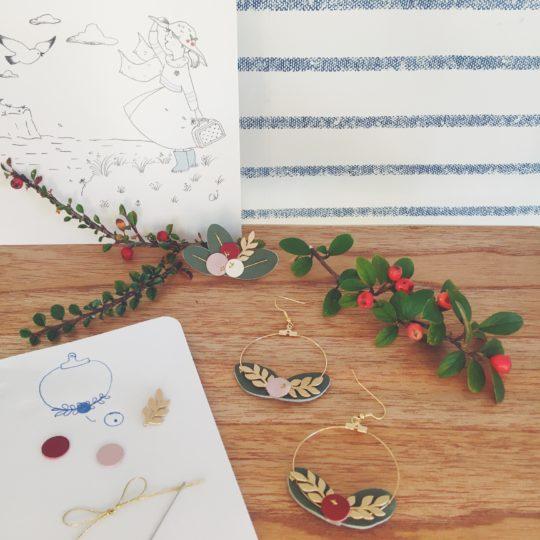 boucles doreilles bijoux poétiques créoles dorées made in France couronne de feuilles et de baies cuir upcycled automne hiver -