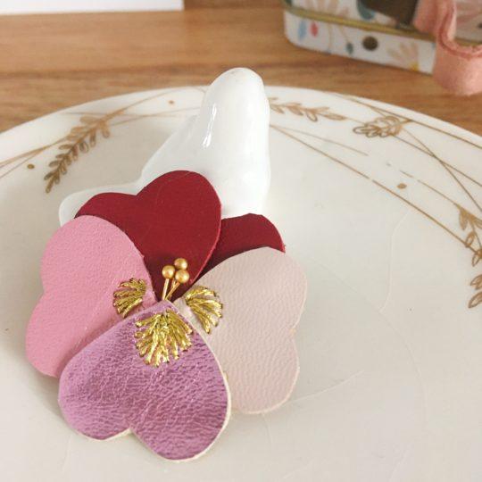 fleur cuir poétique brodée main fil doré made in France - du vent dans mes valises