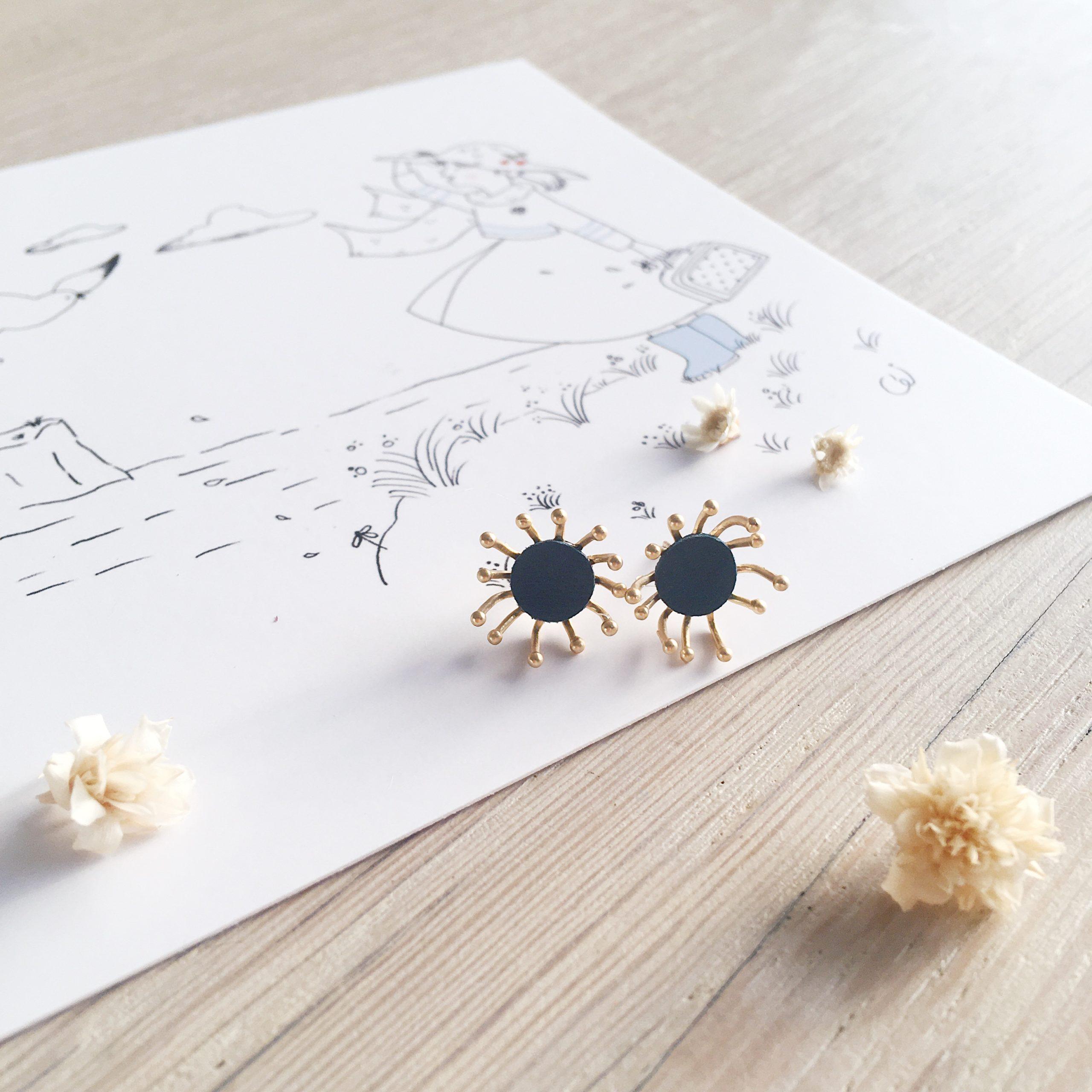 clous d'oreilles cuir bijoux poétiques fleurs du vent d'hiver bleu paon - du vent dans mes valises