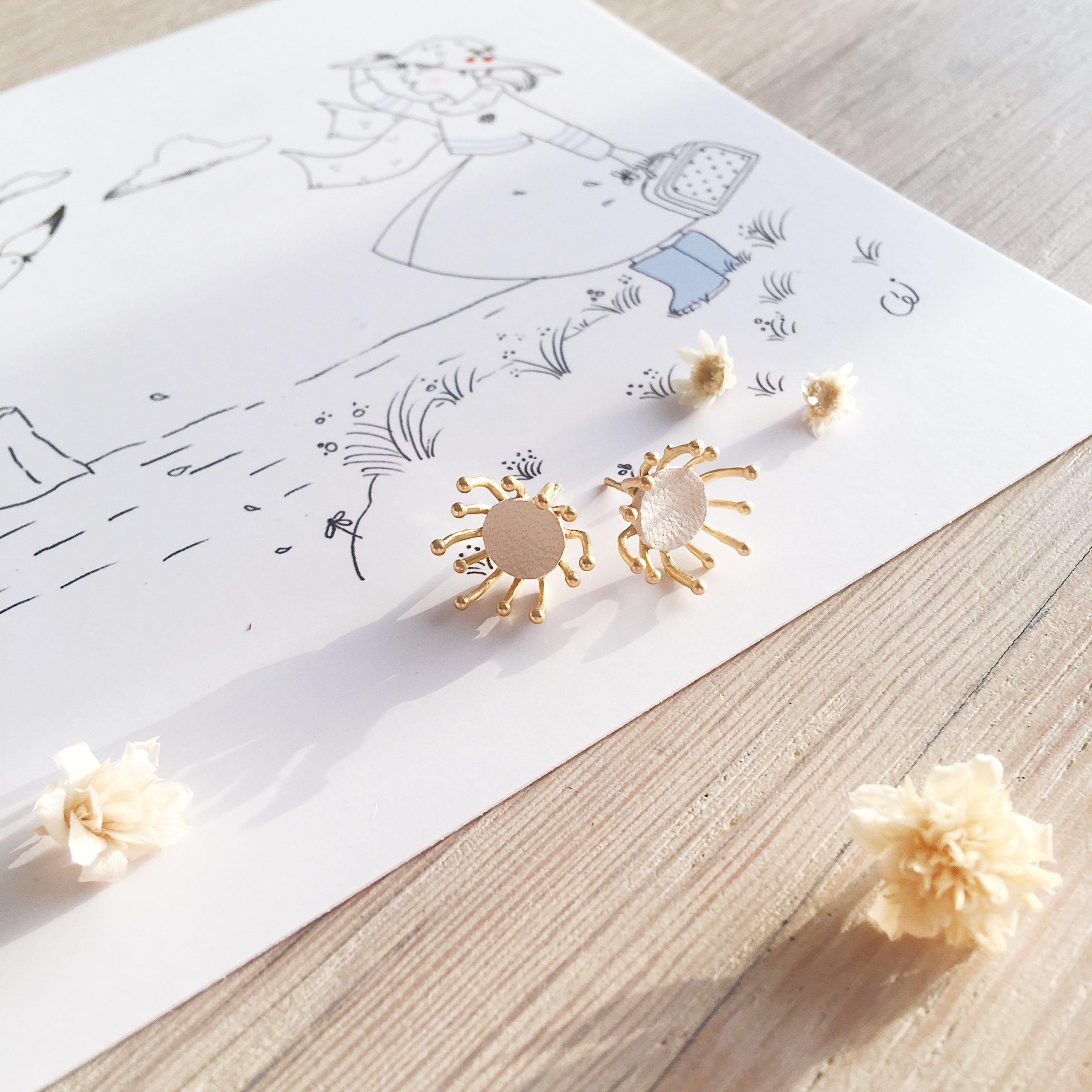 clous d'oreilles cuir bijoux poétiques fleurs du vent d'hiver ivoire - du vent dans mes valises