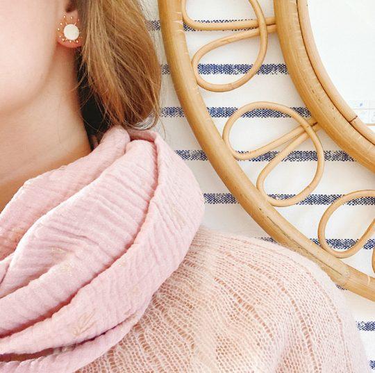 puces d'oreilles cuir bijoux poétiques fleurs du vent d'hiver ivoire gui - du vent dans mes valises