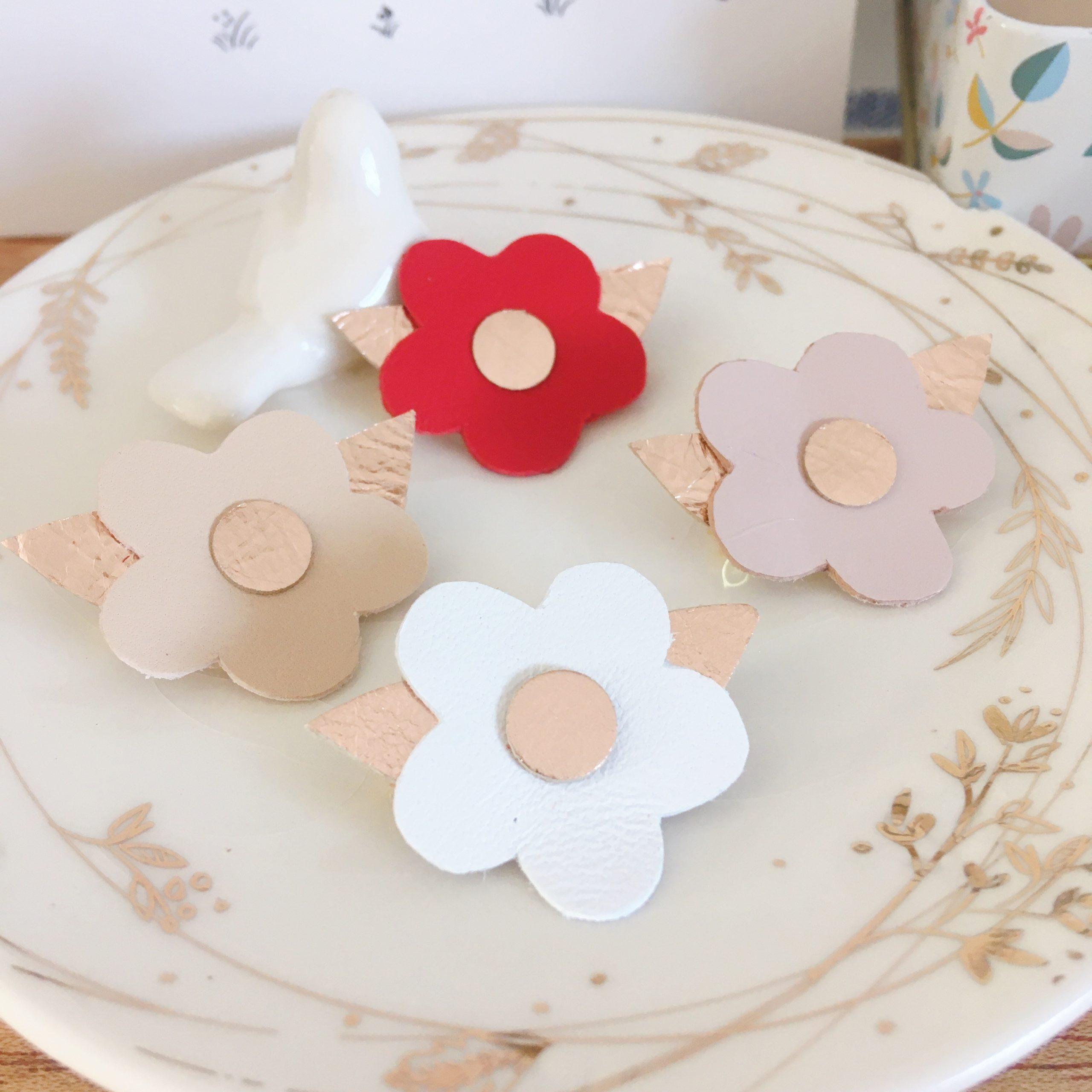 broches fleurettes en cuir couleurs d'amour made in france - du vent dans mes valises