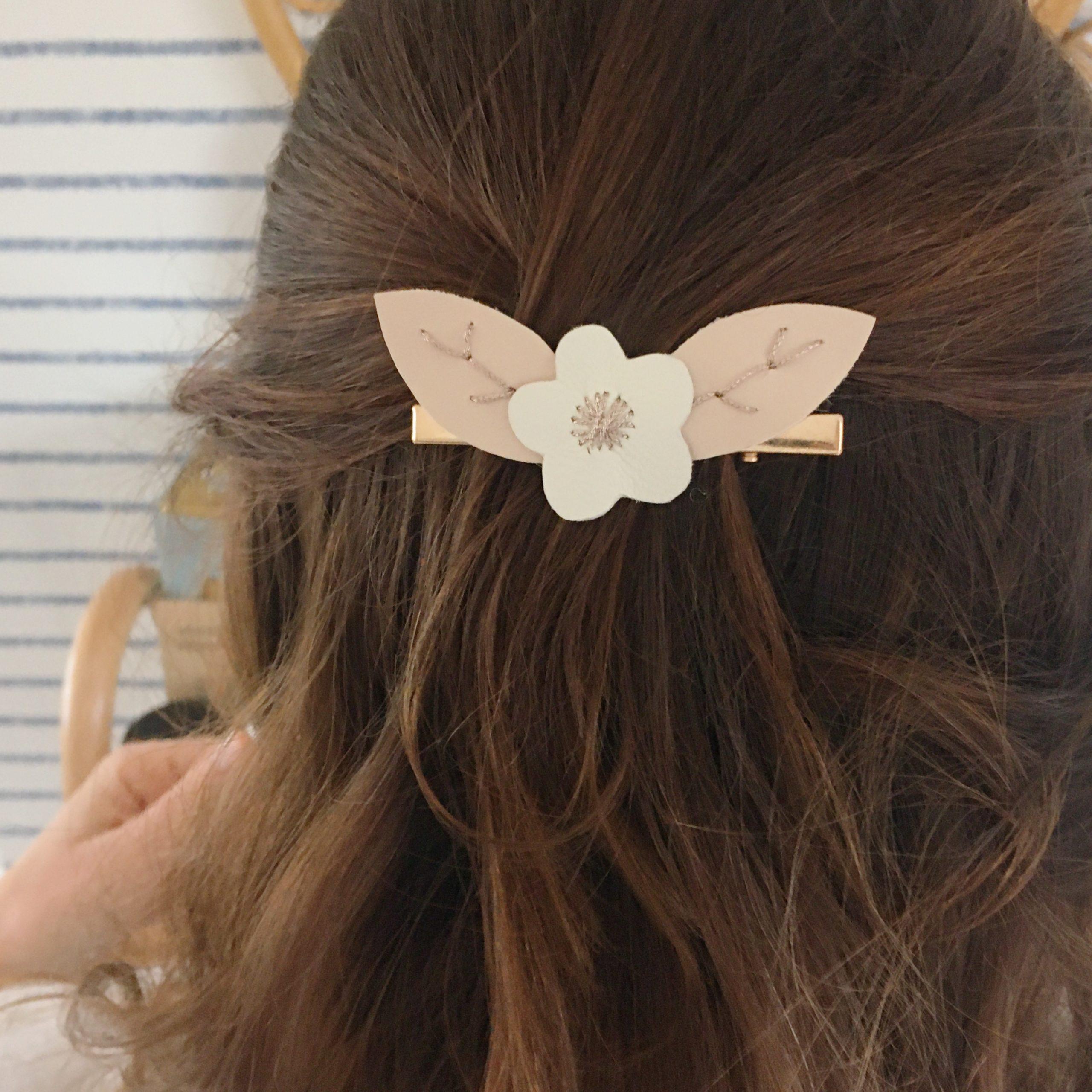 pince cheveux femme mariage personnalisé en cuir brodé main - du vent dans mes valises