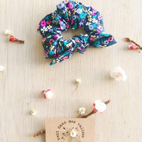 chouchou chou fleuri harmonie bleutée - du vent dans mes valises