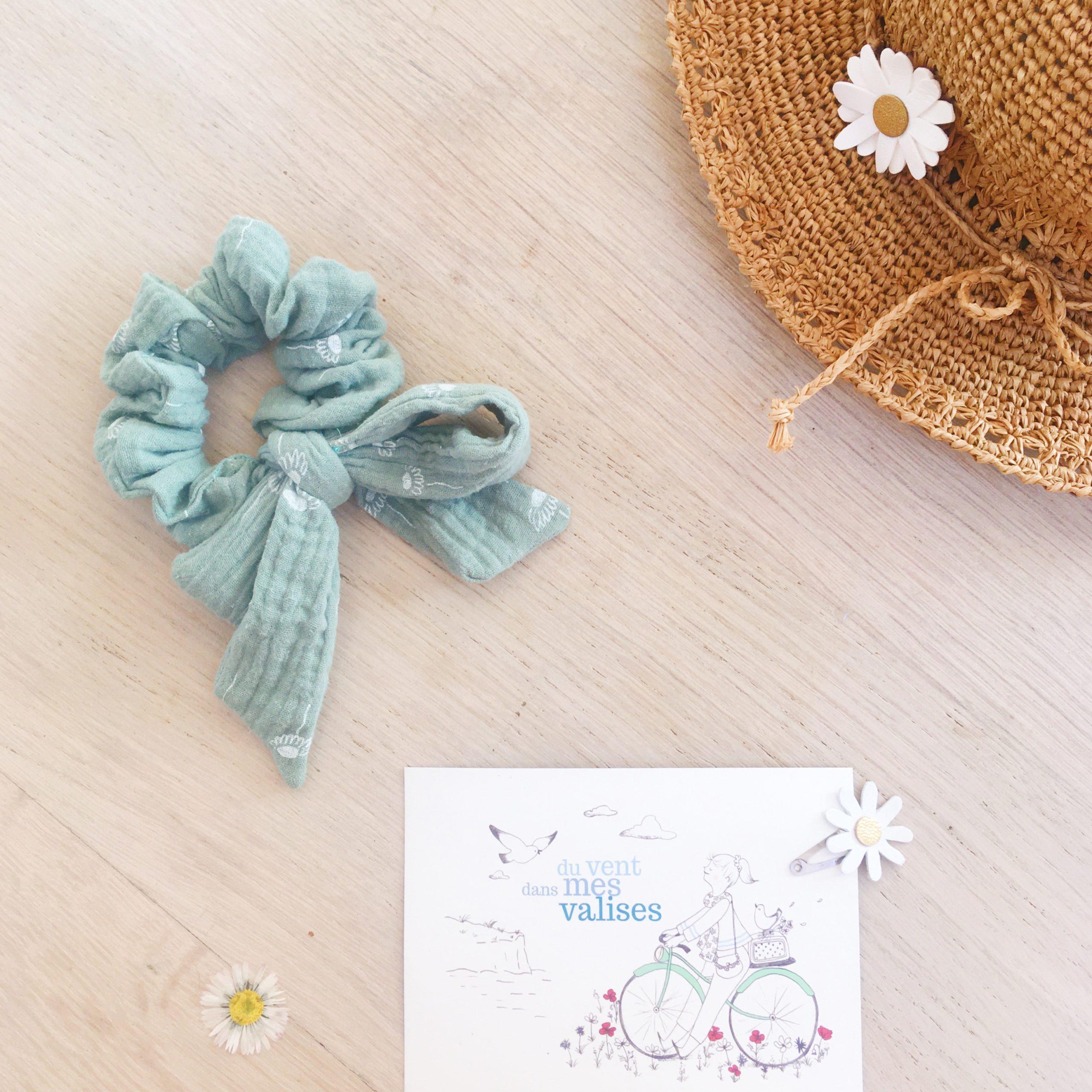 chouchou noeud foulchie chic vert motif adorables pâquerettes fabrication artisanale française en double gaze de coton - du vent dans mes valises