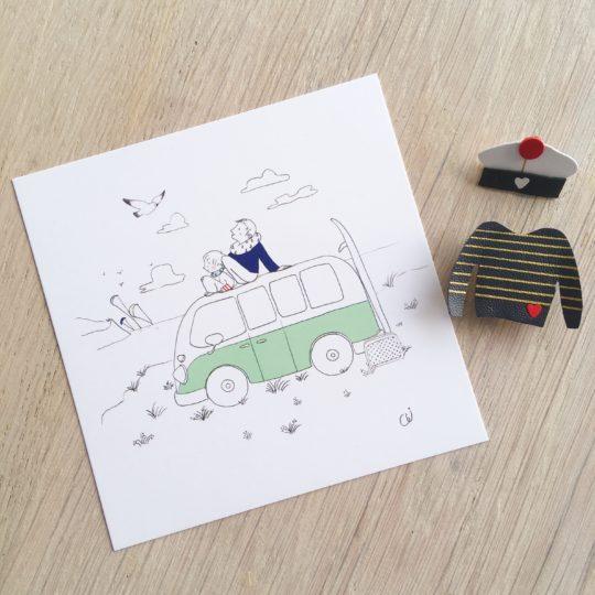 carte illustrée père fils sur un combi ou van avec planche de surf et kite surfers sur la Côte d'Opale - du vent dans mes valises x eulalie sous la lune