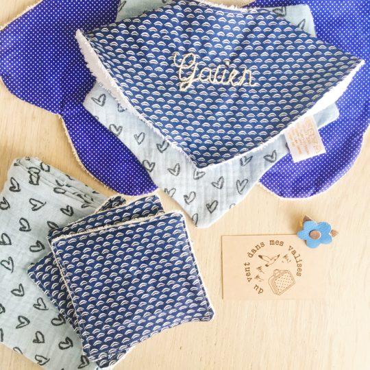 coffret cadeau de naissance made in France, fabrication artisanale sur mesure, modèle personnalisé avec broderie main - du vent dans mes valises