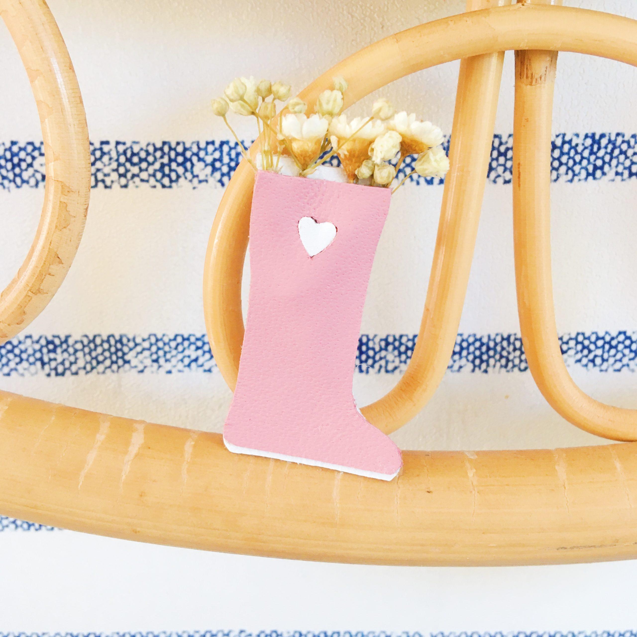 petite broche botte de pluie rose - du vent dans mes valises