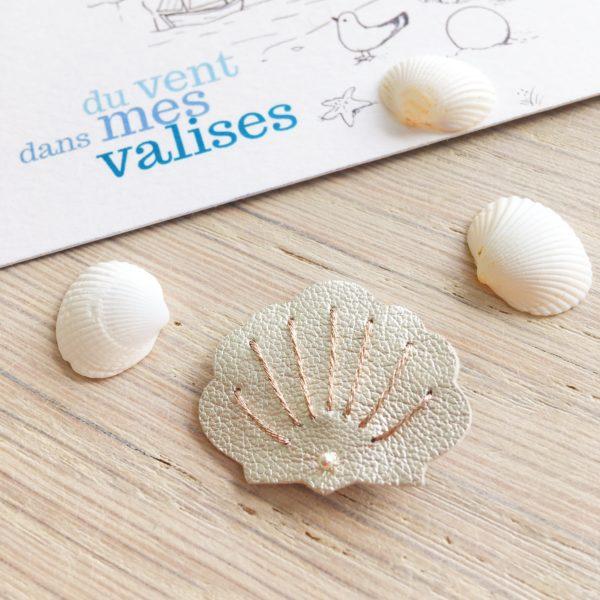 broche coquillage avec sa petite perle de nacre en laiton argenté made in france - du vent dans mes valises
