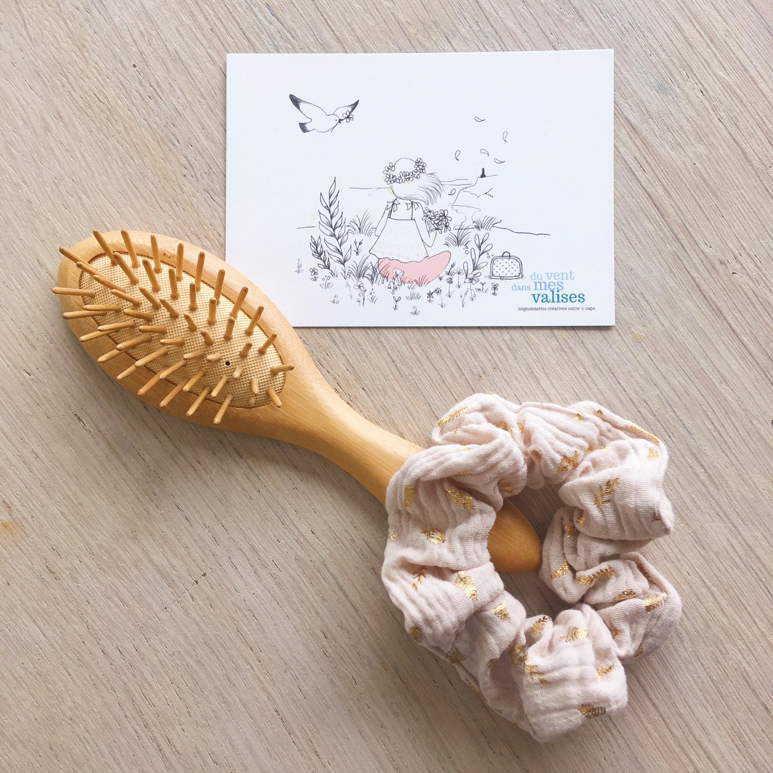 chouchou chic beige nougat feuilles dorées fabrication artisanale française en double gaze de coton - du vent dans mes valises