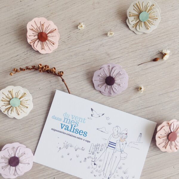 broche-florale-fleur-de-pavot-broderie-aiguille-bijou-createurs-made-in-France-en-cuir-du-vent-dans-mes-valises