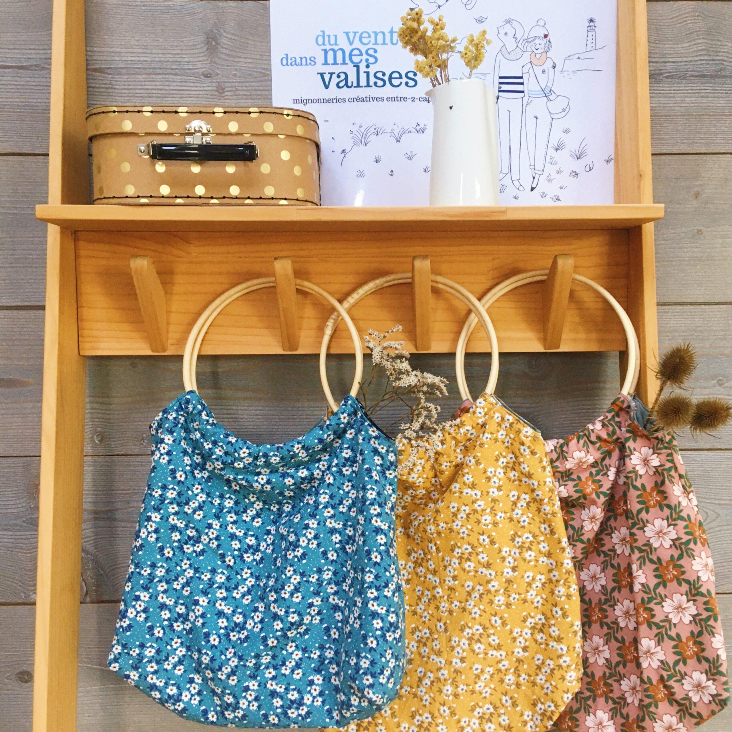les sacs Paulette confectionnés en France avec anses rondes en osier et coton épais imprimé fleuri, poiche intérieur et doublure en coton bio - du vent dans mes valises