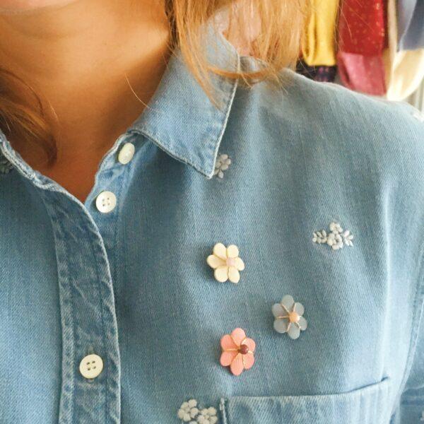 pins broche fleur en cuir brodée main avec perle gemme naturelle, bohème chic - du vent dans mes valises