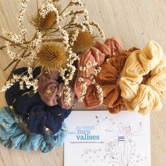 chouchou cheveux made in France en double gaze de coton motif floral chardon doré - du vent dans mes valises