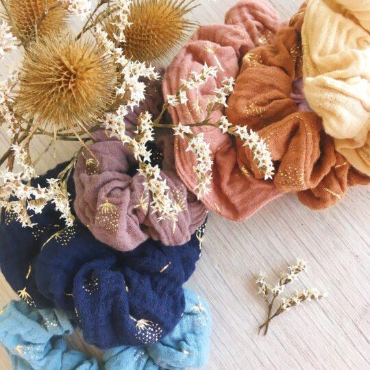 chouchou chic femme et fille en double gaze motifs dorés imprimé végétal fleuri couleurs d'automne - du vent dans mes valises